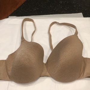 Cacique true embrace T-shirt bra 44C